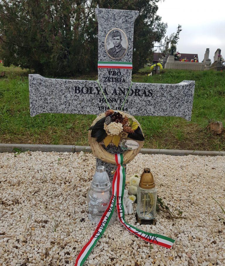 Köbölkúti Bolya András sírja Nagytarcsán. 1944.december 23-án halt hősi halált Isaszegen.