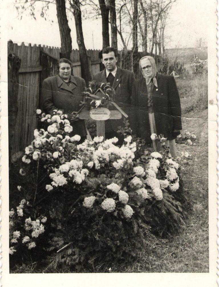 Hordósi Pál sírja az öregtemetőben 1947.